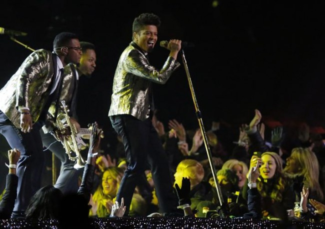 Bruno Mars performs during the halftime show of the NFL Super Bowl XLVIII football game between the Denver Broncos and the Seattle Seahawks in East Rutherford, New Jersey, February 2, 2014. (Reuters)