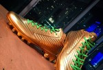 Marshawn Lynch gold cleats