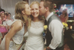 Taylor swift crashes wedding of fan