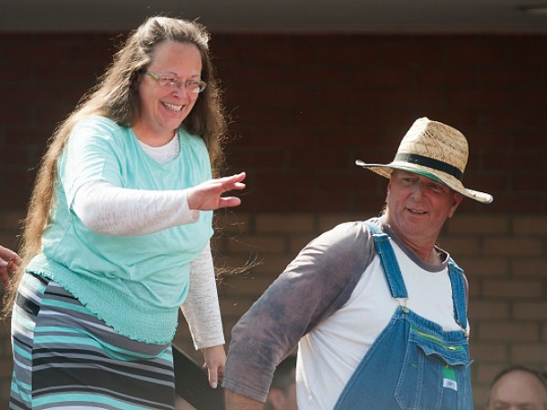 Mike Huckabee Holds Rally in Support of Jailed Clerk Kim Davis in Kentucky