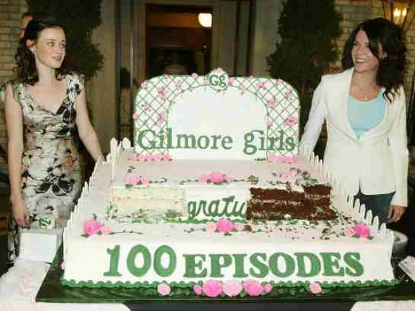 'The Gilmore Girls' 100th Episode Cake Cutting