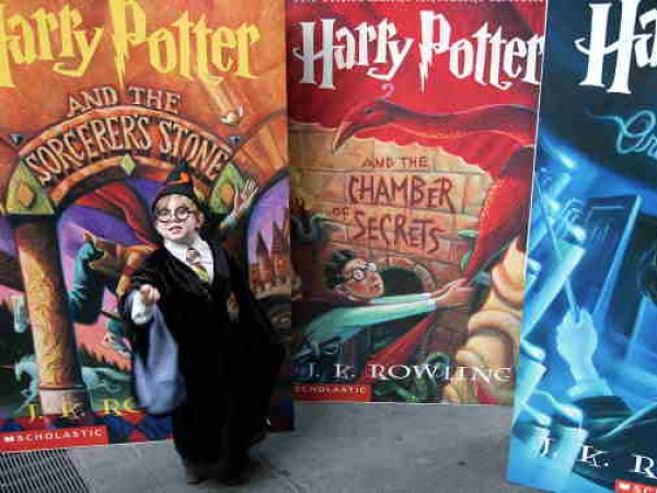 Sixth 'Harry Potter' Book Goes On Sale