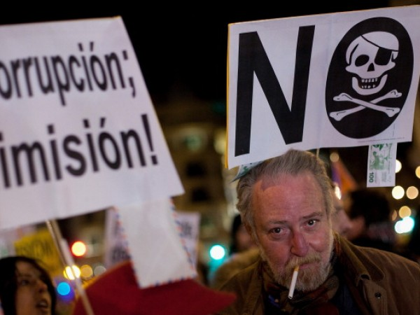 Protestors Take to Streets Over PM Rajoy's Alleged Undeclared Payments