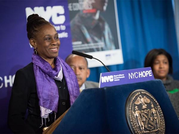 La Primera Dama Chirlane McCray anuncia NYCHOPE, el nuevo portal web para sobrevivientes de la violencia doméstica